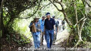 Former American President Bill Clinton spent two days visiting Orangutan Foundation International's facilities in Central Kalimantan (Borneo), Indonesia.